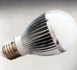 山东济南LED球泡灯5W陶瓷,塑料外壳节能灯厂家直销价格