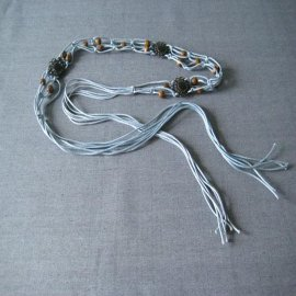 铜扣木珠腰带