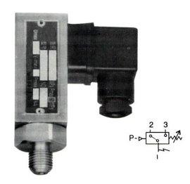YWK-18D压力控制器