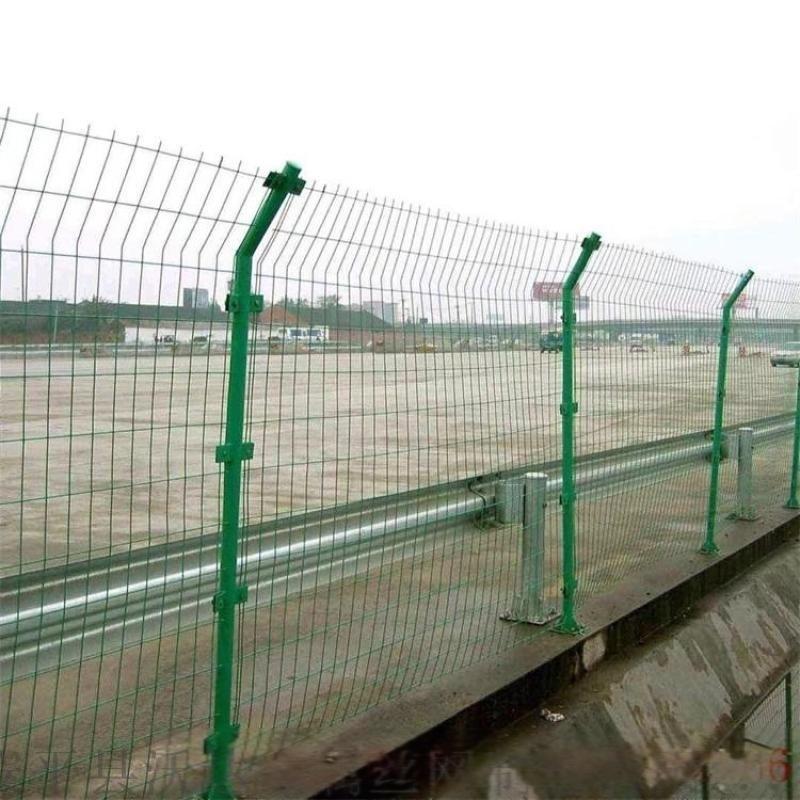 厂家直供公路隔离栅_高速围栏网_高速钢丝网围栏