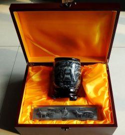 中外文明工艺品,西安秦始皇浮雕笔筒