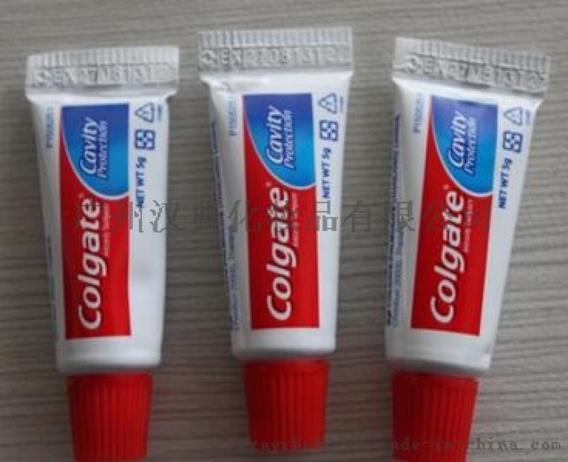 高露潔牙膏批i發高露潔牙膏廠家讓利直銷