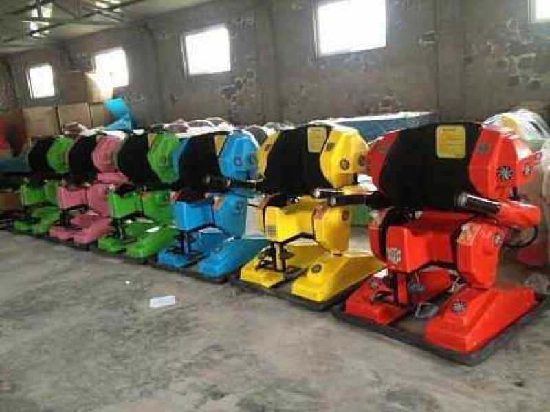 河南新鄉雙人親子機器人碰碰車廠家直銷