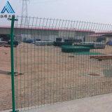 钢丝护栏网 绿色方格金属网围栏