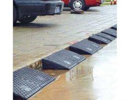 交通设施生产厂家供应城市道路安全隔离交通设施道路护栏