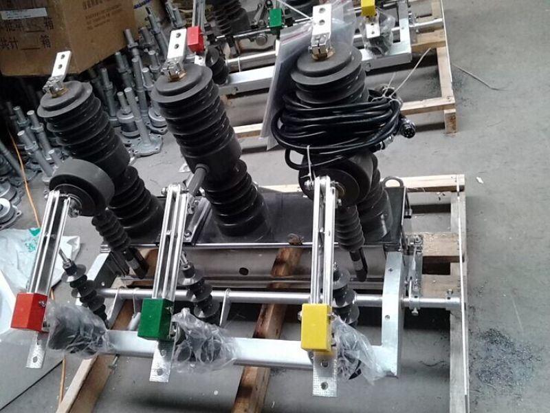 戶外10KV高壓真空斷路器廠家