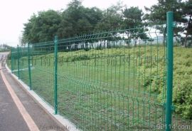 珠海养殖场双边丝围网护栏,圈地桃型柱护栏网厂家