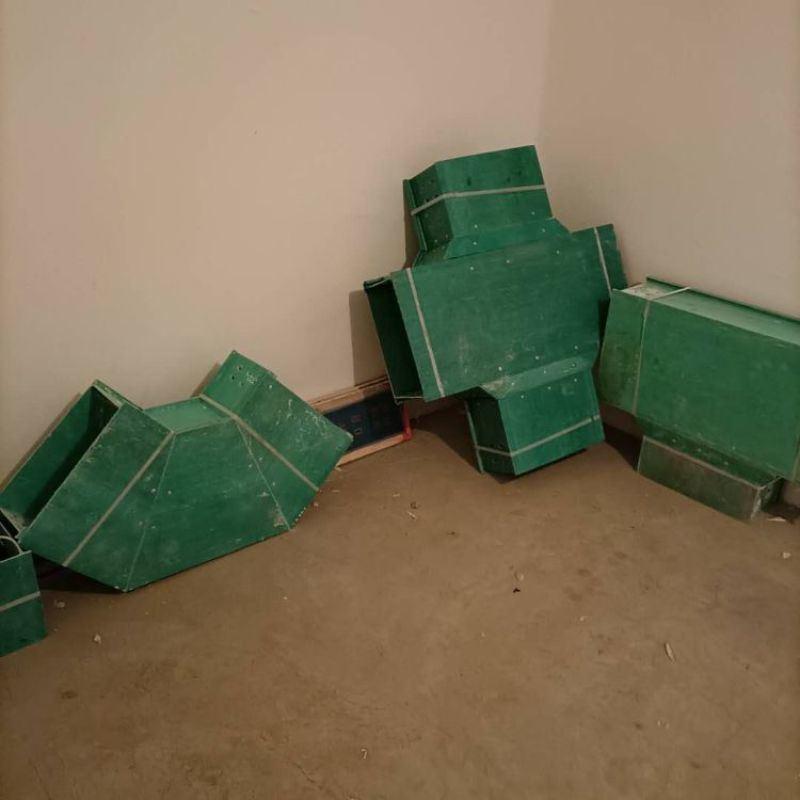 环氧树脂化工用线缆槽盒玻璃钢电缆桥架供应
