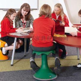 德国VS学生课桌椅St.Marys Primary School