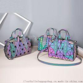 日式方形枕头包潮流夜光菱格包现货外贸高档创意促销品