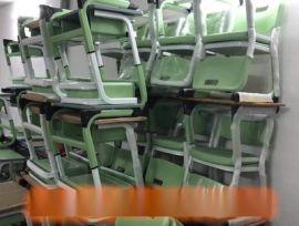 厂家直销定制ABS塑料学生课桌椅中小学课桌椅批发