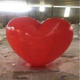 定製佛山玻璃鋼愛情主題雕塑、玻璃鋼心形模型雕塑