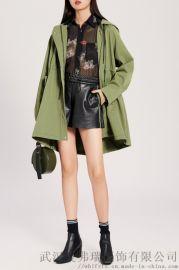 女装冬季拿货技巧益华彩菲20年冬装新款女式风衣外套