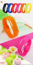 创意LED电子表 防水个性手表 儿童礼品定制男女情侣手环批发团购