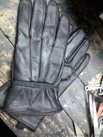 羊皮女式手套。  踩花款式,厂家定做。真皮手套。
