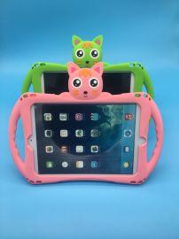 ipad儿童硅胶保护套,硅胶全包边防摔防震,可使用挂绳挎在肩上或汽车座位后面