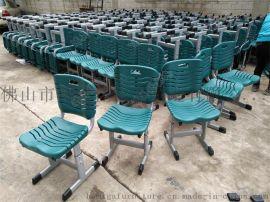 可升降課桌椅廠家,廣東工廠定制塑鋼學校學生桌椅