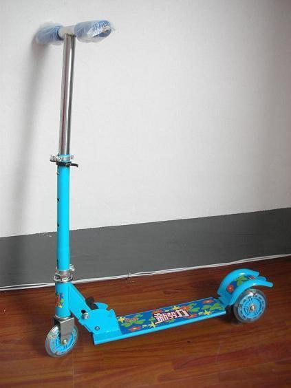 三轮儿童滑板车 / PU激光轮