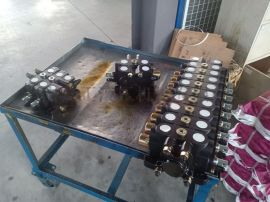 DL-L20E-9OT ZL20-9打桩机液压多路换向阀流量100L分配器