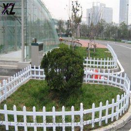 园林草坪护栏、折弯草坪围栏、白色草坪栅栏