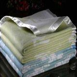 厂家供应双面绒腈纶毛毯 双人提花超柔绒 可定做贴牌