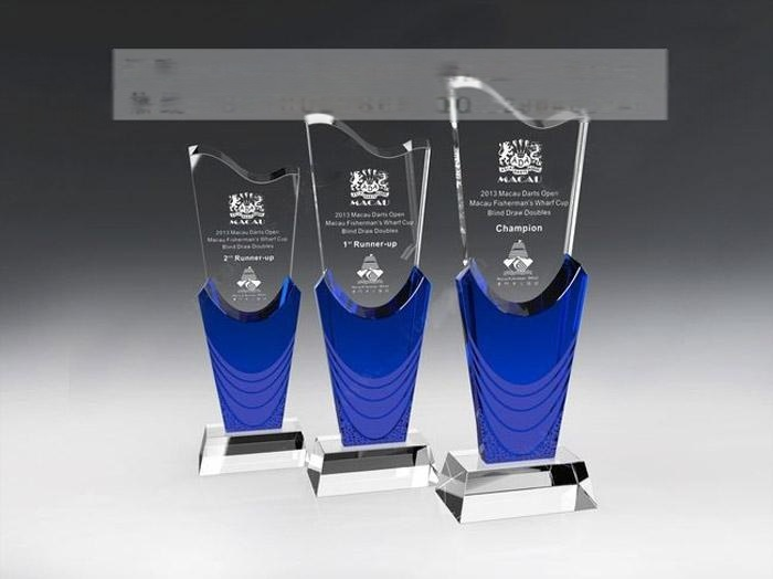 天津水晶獎盃獎牌定做,年度優秀員工水晶獎盃製作