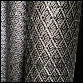 汇金网业10米长红色喷漆钢板网卷养殖防护网
