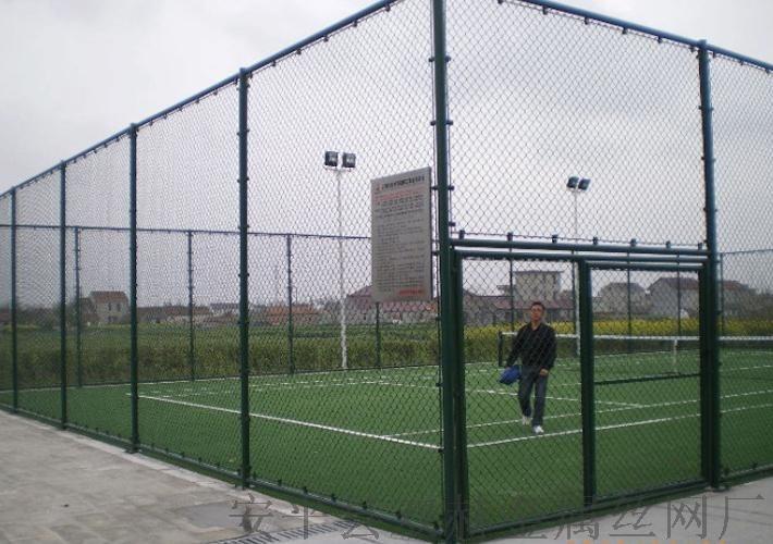 供应淄博球场3x4米围栏围网厂家直销