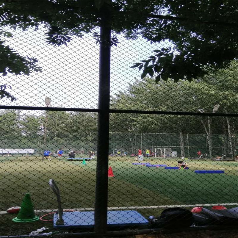球场围网厂家、球场护栏、运动场地围网