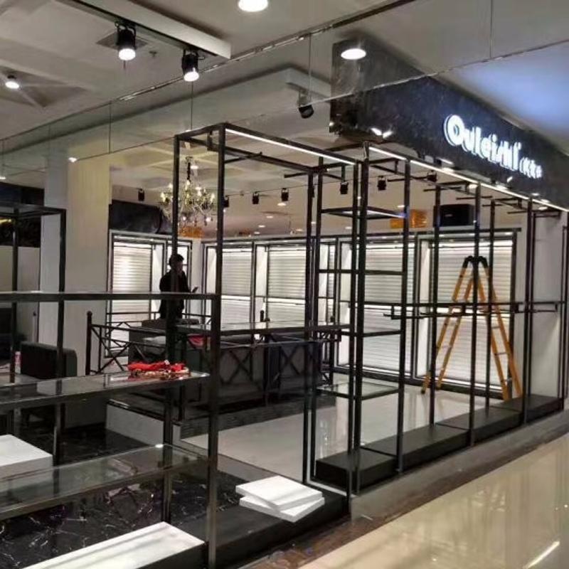上海服装展示架定做加工、钛金展示架、玫瑰金展示架、钛金展示架、服装**店展示架、佛山展示架加工厂