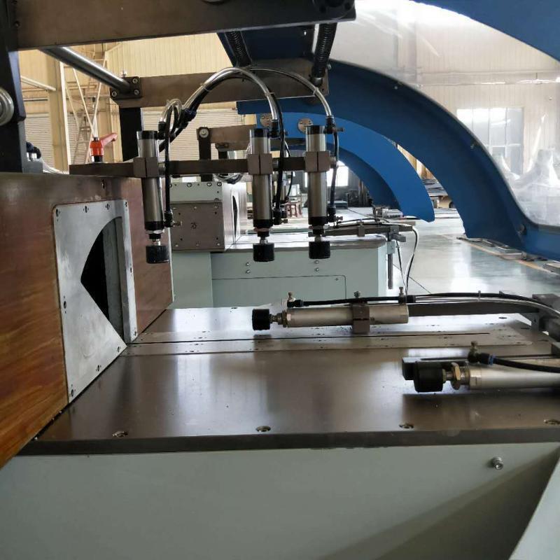 铝工业型材三轴数控加工中心 工业铝型材加工设备
