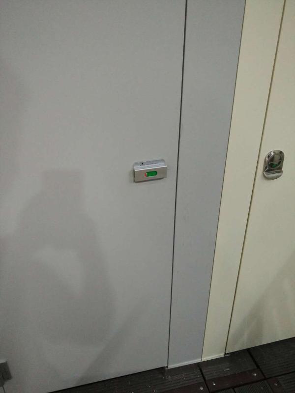 河南定制卫生间隔断板 防水耐撞击公共厕所间隔墙 公共卫浴隔断成品