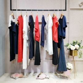 拉丝围巾中长款卫衣收库存服装处理电话 福建品牌服装尾货批发尾货