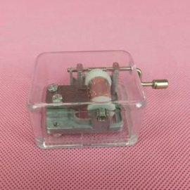 透明盒手摇音乐机芯,塑壳盒手摇式音乐铃 手摇八音琴