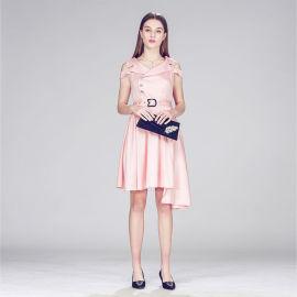粉色西装领露肩百褶裙无袖单排扣腰带不规则中裙