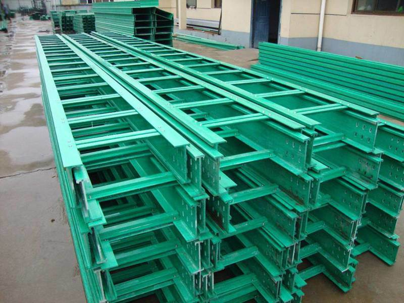 管箱线缆桥架 霈凯环保 拉挤玻璃钢电缆桥架厂家