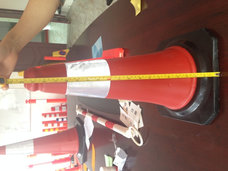 廠家直銷50cm橡膠底座塑料路障 PE路錐