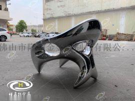不锈钢镜面艺术坐凳雕塑 不锈钢镜面雕塑的亮度效果