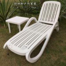 白色进口ABS塑料泳池躺椅澄迈景区户外折叠沙滩躺椅