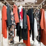 品牌女裝折扣琢盈時尚簡約春裝貨源渠道