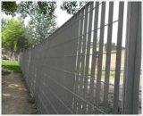 体育场用钢格板围栏专业厂家