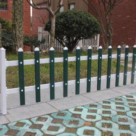 公园草坪护栏 pvc草坪栅栏厂家