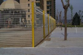 供应沃达铁丝栅栏 庭院围栏护栏 花园护栏网