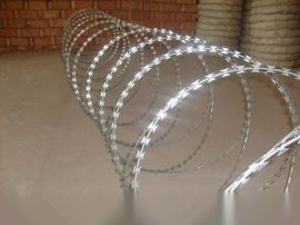 厂家直供太原刀片刺绳-刀片刺网-刺丝滚笼低价格低优惠