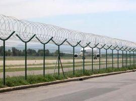 机场防护网Y字形隔离栅, 加装刀片刺绳隔离栅