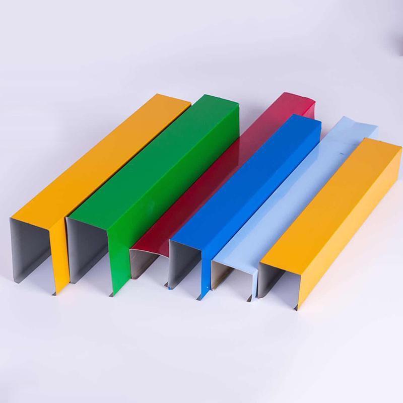 吊顶装饰材料厂家定制0.8厚U型木纹铝方通吊顶天花