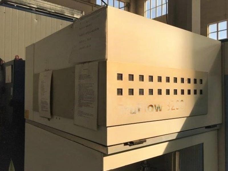低价出售通快官方二手激光机床(二氧化碳机器, 2011年产)