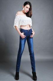 时尚牛仔裤