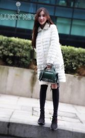 广州品牌折扣批发17年新款轻薄羽绒服