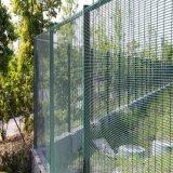 358防攀爬加密护栏网 出口密纹网 加密安全防护网
